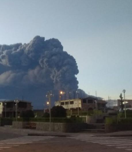 Éruption d'un volcan au Pérou, des centaines d'évacuations