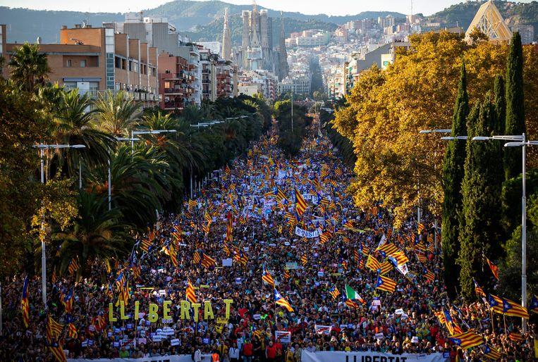Eerder protest met 350.000 deelnemers verliep wel vreedzaam in Barcelona. Beeld AP