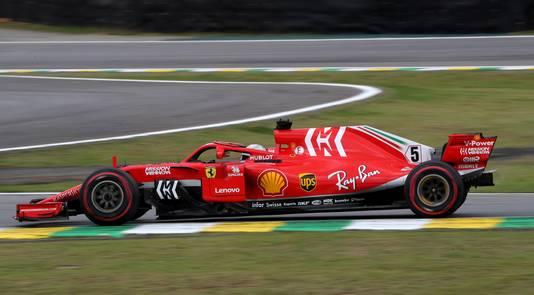 Sebastian Vettel klokte de snelste tijd in VT3.