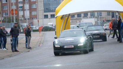VIDEO. Honderd luxewagens rijden 'Gato Tour' als eerbetoon aan gecrashte broers
