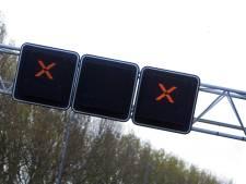 Afrit A27 richting Hank is dicht, maar niet iedereen heeft dat door: 'Aantal bestuurders boete gegeven'