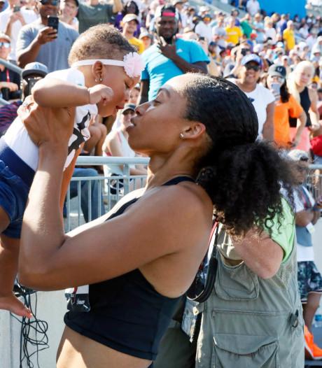 Nike belooft zwangere atleten niet langer financieel te straffen