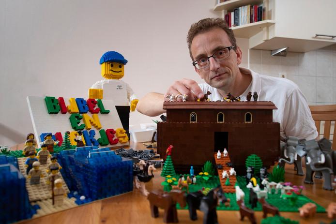 Alfred Doorn uit Zwolle maakt bijbelverhalen met Lego. Doordeweeks is hij software-ontwikkelaar.
