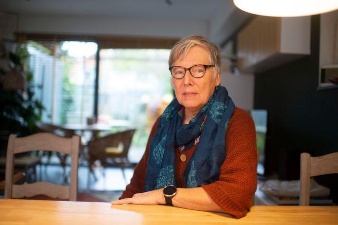 """Rita Reyniers in haar sociale flat in Wilrijk. """"Onzekerheid over wat me te wachten staat, dat is het ergste."""""""