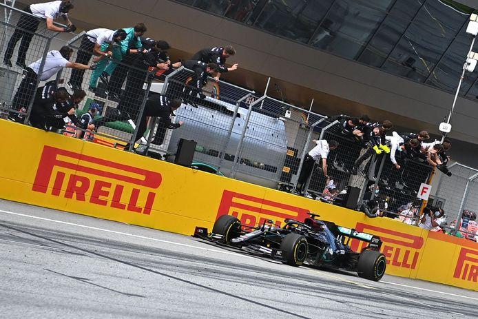 Lewis Hamilton remporte le GP de Styrie.