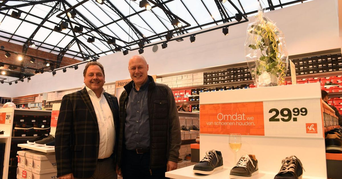 a9370ad4d7c Schoenenketen vanHaren opent winkel in Shopping Center