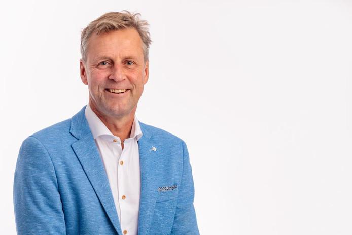 Ad Valkenburg, Oud-Beijerland.  Commissievoorzitter gemeente Hoeksche Waard.