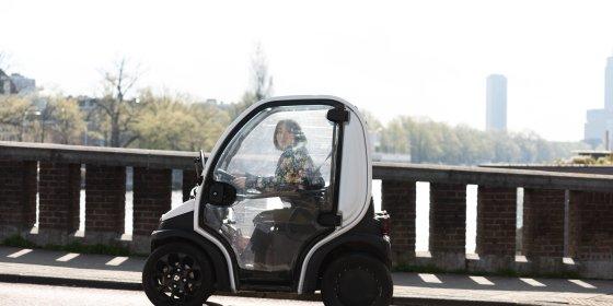 'Kakkercanta' Birò is geen invalidenwagentje en moet dus van de Amsterdamse stoep af