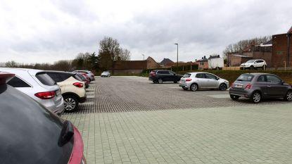 Bestuurders vinden de weg naar de parkeerstrip in centrum