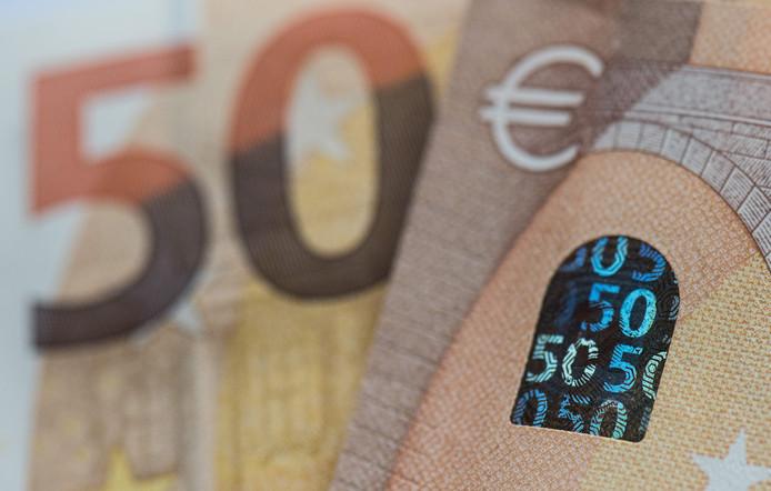 De wijkagent waarschuwt dat er valse briefjes van 50 euro in omloop zijn in Lingewaal.