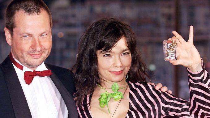 """Lars von Trier ontkent intimidatie van Björk: """"Ze was sterker dan wij en ons bedrijf samen"""""""