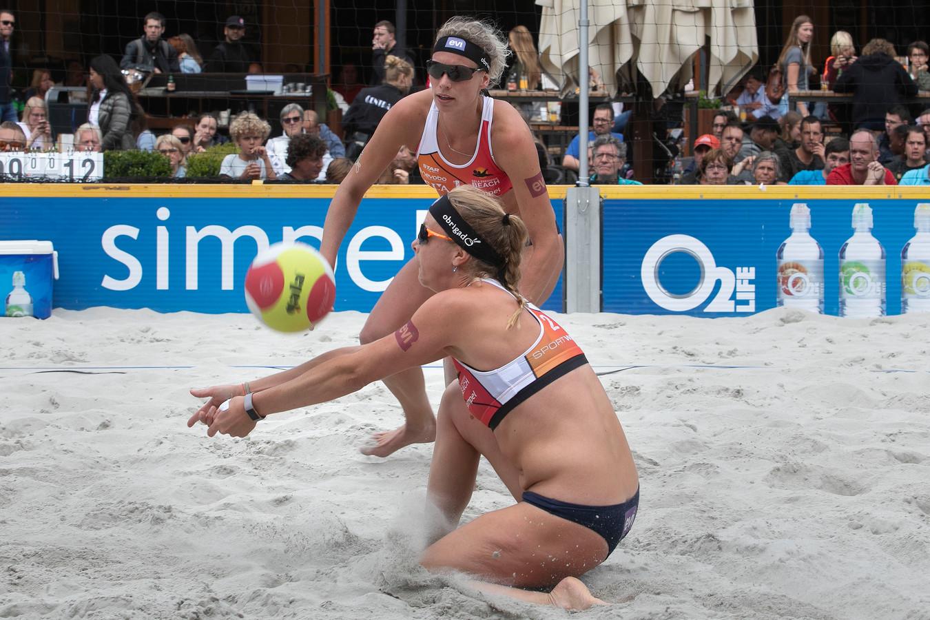 Damesfinale van de eredivisie beachvolleybal in Eindhoven.
