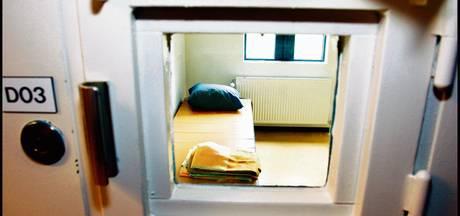 Twee 16-jarigen betrapt tijdens drugssmokkel gevangenis Vught