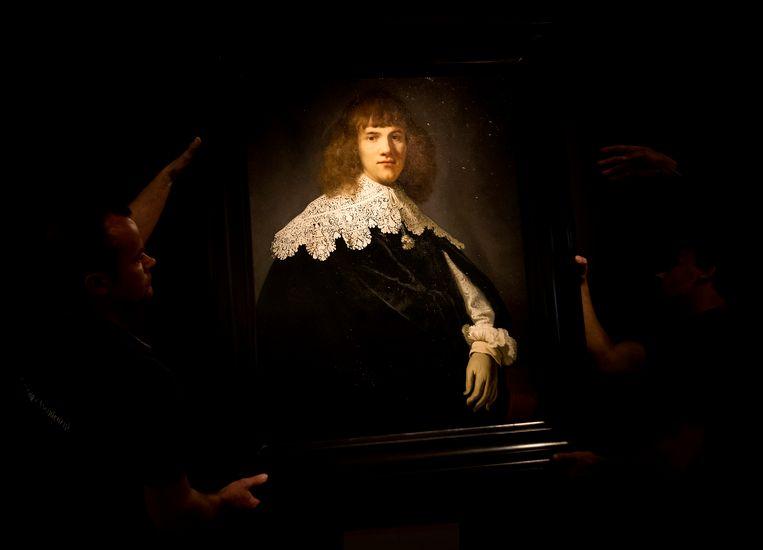 Het kunstwerk Een portret van een jonge man. Beeld