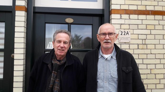 Henk den Hollander (l) en Leo Adams van Werkgroep Kleigoed.