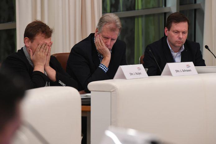Sombere gezichten tijdens de gemeenteraad van Grave in januari 2020.