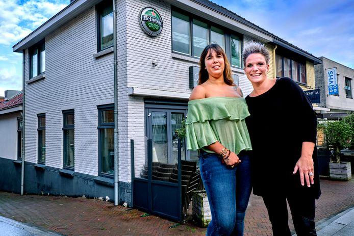 Nathalie Heezen (links) en Adly Barendse voor het pand waar hun restaurant Jut & Jul in komt.