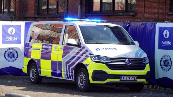 Politie wordt zichtbaarder dan ooit: 40 nieuwe combi's krijgen opvallende bestickering