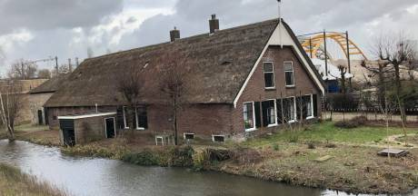 Eerste biertje van idealistische Utrechtse bierbrouwer Rood Noot wordt pas in 2021 getapt