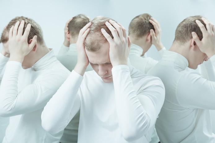 Dankzij magnetische impulsen kunnen de stemmen deels het zwijgen worden opgelegd.