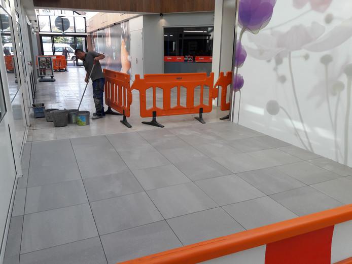 Top Vloeren Waalwijk : Winkelcentrum de els in waalwijk krijgt toch een nieuwe vloer: werk