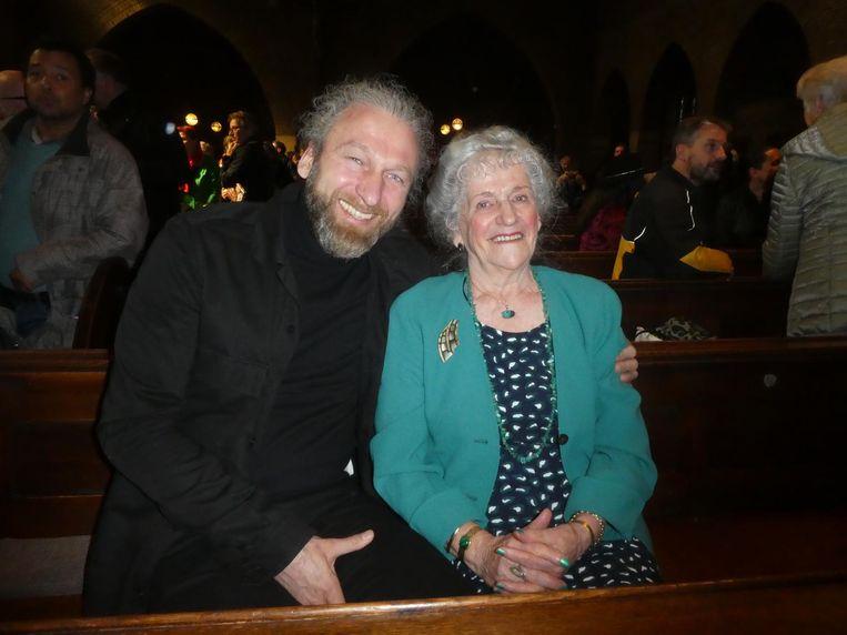 Neef Cris van Amsterdam en moeder Joke Valkering: 'Trots, maar ook wel spannend, dat zeg ik er ook bij.' Beeld Hans van der Beek