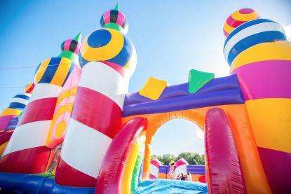 Antwerpen krijgt springkastelenfestival voor volwassenen