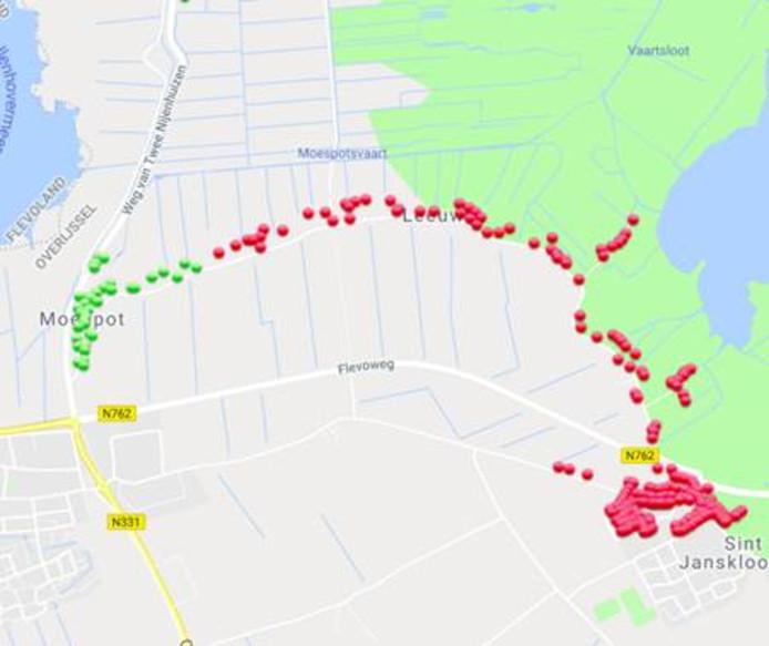 De stroomstoring in de omgeving van Blokzijl. Tegen 12.45 uur  had het plaatsje Moerpot weer stroom. Sint Jansklooster moet nog even wachten op stroom.