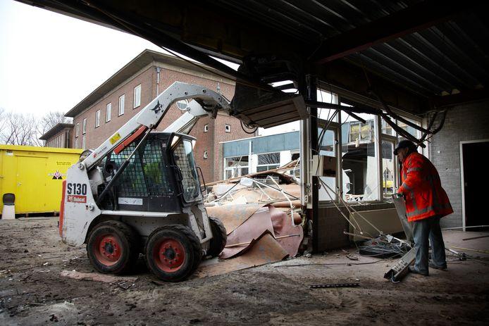 De afbraak van de voormalige LTS aan de Spoorlaan in Veghel had enkele jaren terug al plaats. Op deze plek zijn 21 goedkope huurwoningen gepland.