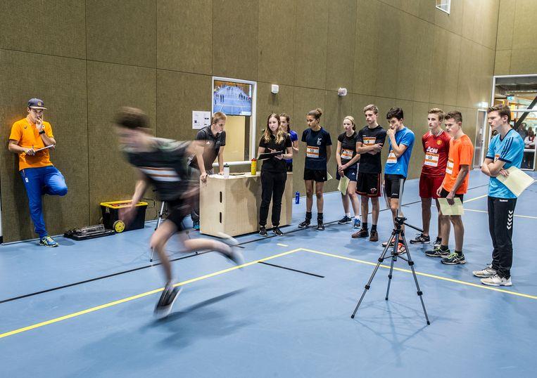 Bij 'explosief en snel' zitten kinderen die voor sporten als baanwielrennen, rugby of atletiek gaan. Beeld Koen Verheijden
