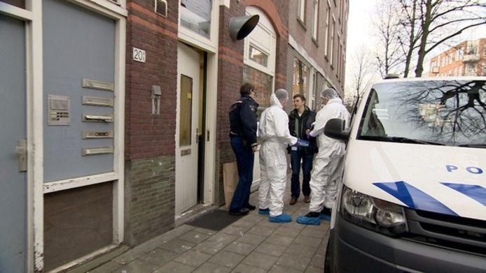 De forensische opsporing deed onderzoek in het theehuis.