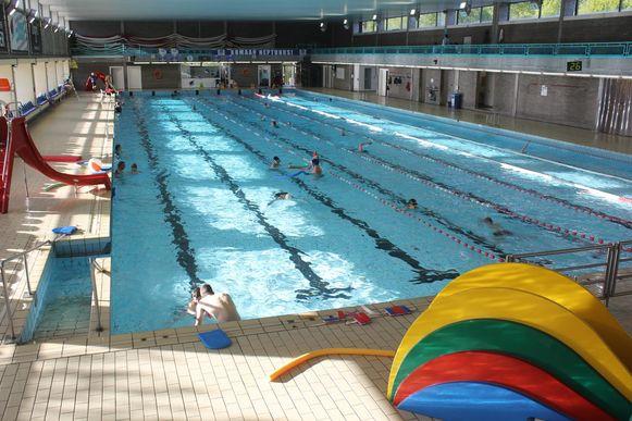 Het zwembad van Aalst is onderwerp van de discussie.