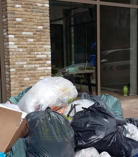 Ergernis over afvalberg  bij luxe wooncomplex Nijmegen