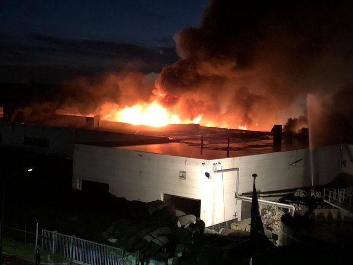 De brand bij Tuf Recycling in Dongen op 11 oktober.