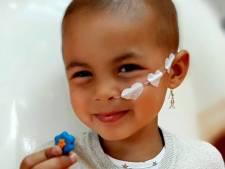 Geweldig nieuws! Eva (3) is genezen van kanker, kaartjesactie bracht land in beweging
