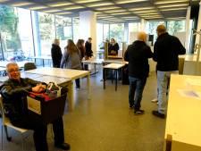 Verkoop oud meubilair van provincie levert kringwinkel 26.000 euro op