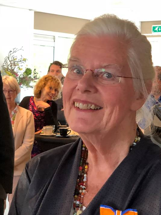 Riet Hammen-Poldermans (77) Lid in de Orde van Oranje-Nassau