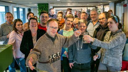 Cafetaria van bib is voortaan de 'Wonderbar': koffie en gebak geserveerd door mensen met verstandelijke beperking