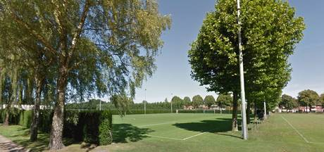 Voetbalclub VOAB royeert jeugdleider na logeerpartijtjes met spelers