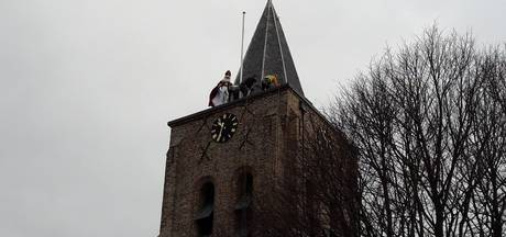 Abseilende Sint in Zeeland