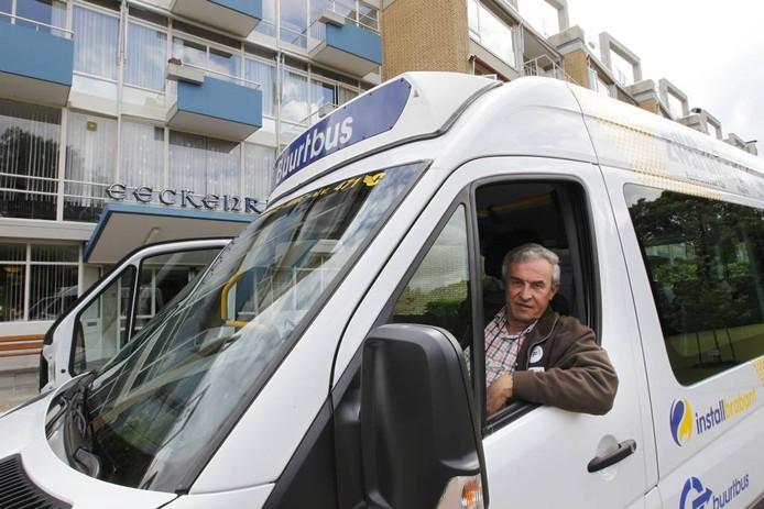 Buurtbuscoördinator Frans Hoosemans.