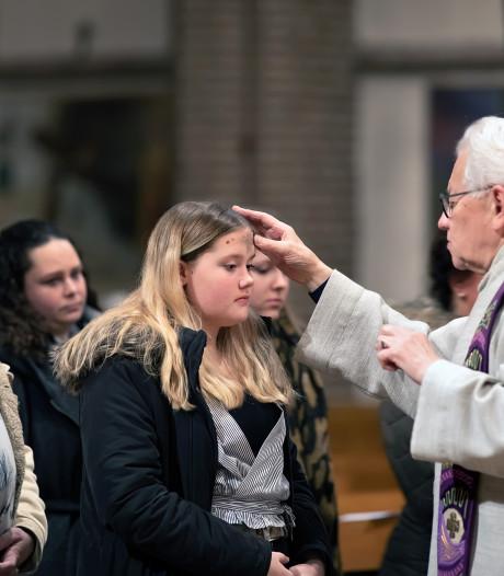 Laatste askruisjes voor de pastoor van Goirle: 'Bedenk  dat ge stof zijt'