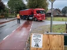 Bewoners Zwarteweg filmen nachtelijke overlast vrachtverkeer in Milsbeek