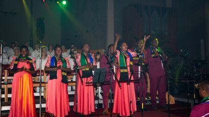 """Tanzaniaanse delegatie verzustert met Schotens koor in gospelconcert: """"Een en al energie!"""""""