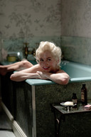 Michelle Williams zet Marylin Monroe neer in 'My week with Marylin'.
