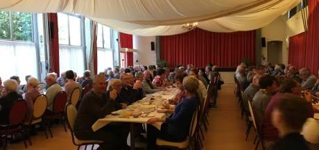 Bijna 750 inwoners aan ontbijt en brunch als afscheid van de gemeente Aalburg
