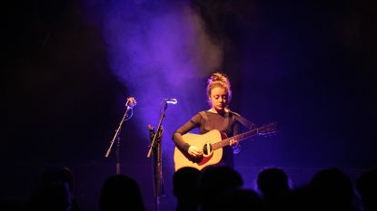 Linde laat haar folkmuziek op je los... in 3D