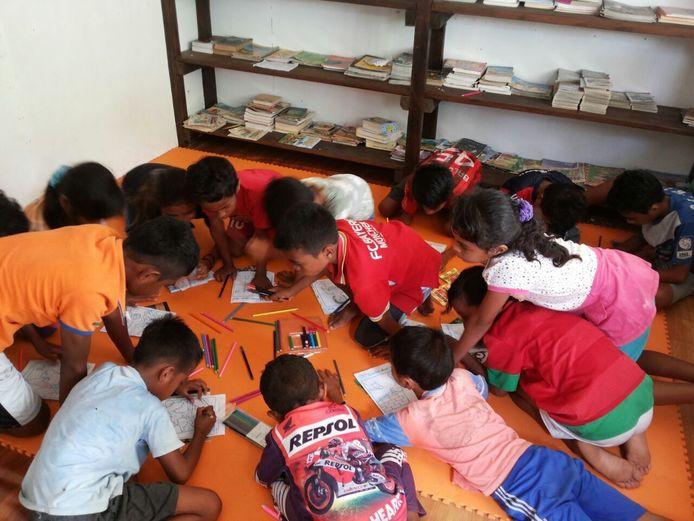 Het opbouwen en inrichten van bibliotheken voor kinderen op Ambon blijft een belangrijke taak voor de stichting Gandong.