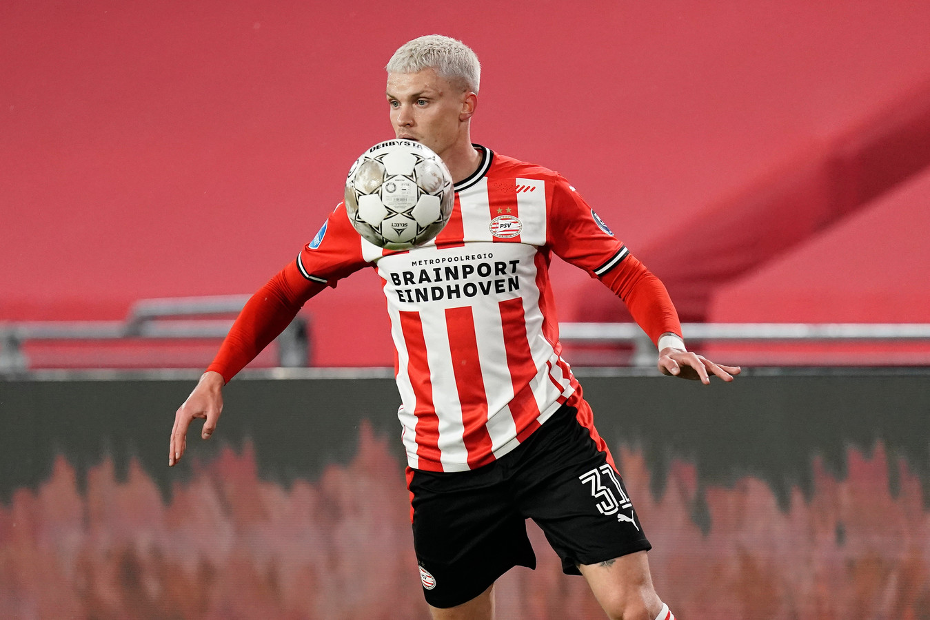 Philipp Max tijdens PSV-Willem II.