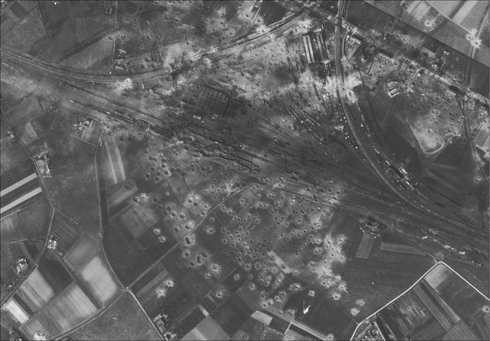 Het Paasbombardement in Kuringen.
